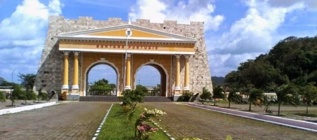 Gerbang-Benteng-Portugis-Jepara-720x320